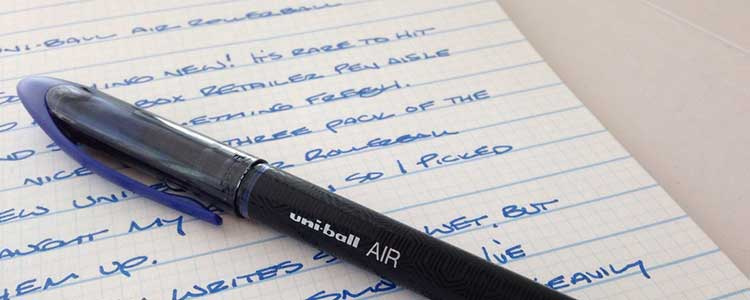 qué significa apretar mucho cuando escribes