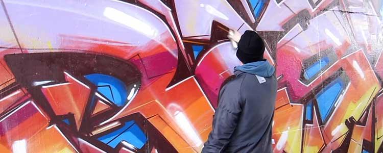 diferencia entre graffiti y street art