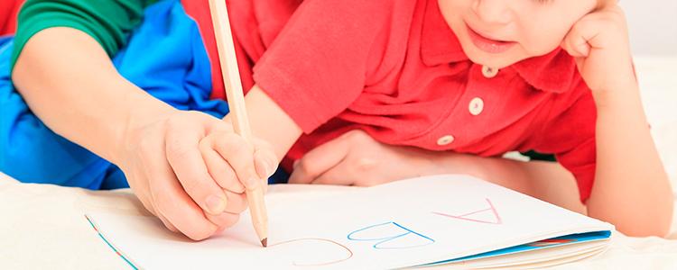 iniciar a los niños en la escritura